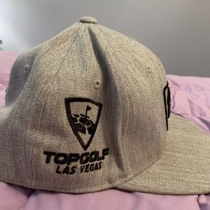 Accessories - top golf snap back hat